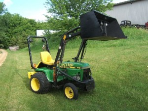 Modified John Deere 318 garden tractor - Bird