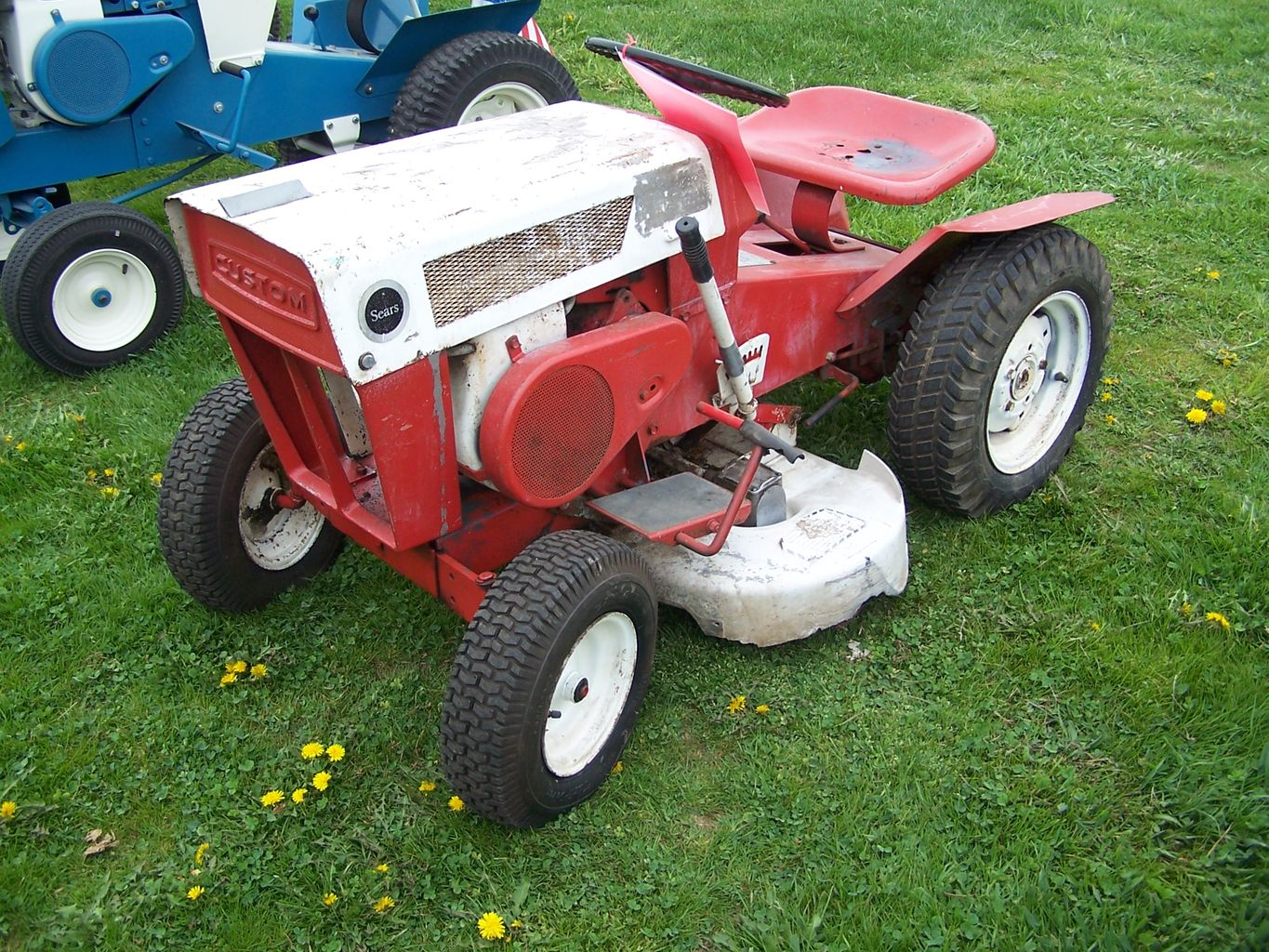 Image gallery old sears lawn mowers for Garden machinery for sale